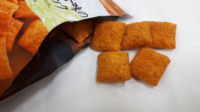 セブンイレブンピリッと辛い明太子味のチーズインスナック
