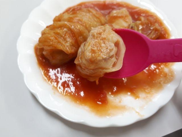 トマト味ソースのロールキャベツ